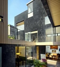cormanca-sustainable-solar-house-with-green-roof-in-mexico-city-0-886277045