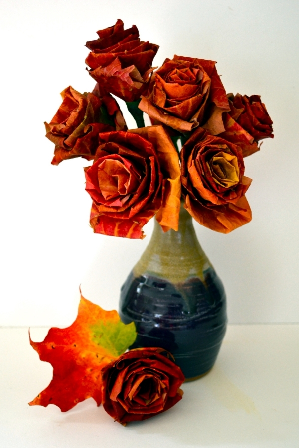 Craft ideas for fall and Halloween with step-by-step instructions