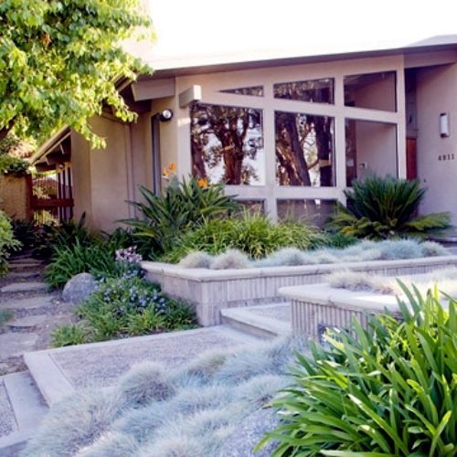 Creating a beautiful garden at the entrance garden for Creating a beautiful garden