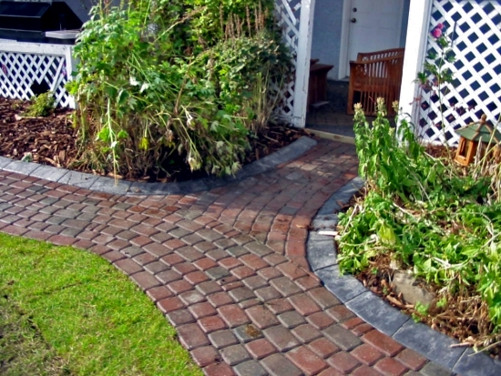 Nice Creating A Garden Path With Bricks And Pavers