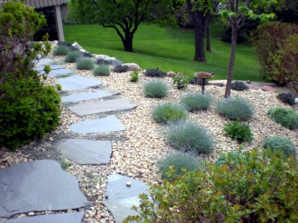 Creating a garden path and design - garden design ideas for effective