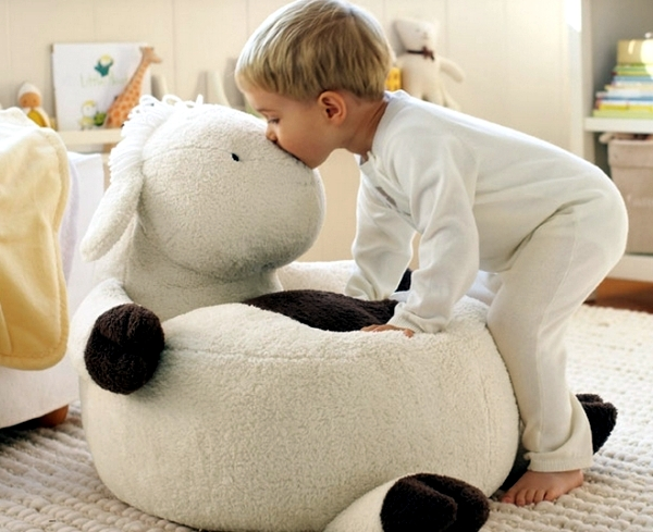 Cuddly baby furniture - seating and sleeping comfort for the little ones