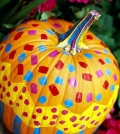 decorate-pumpkins-30-fall-ideas-with-paint-rhinestones-and-lace-0-886587095