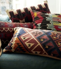 decorating-ideas-with-textiles-create-cozy-atmosphere-at-home-0-1094337563