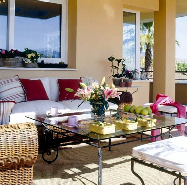 Decoration ideas for balcony table – set up the patio at home nice