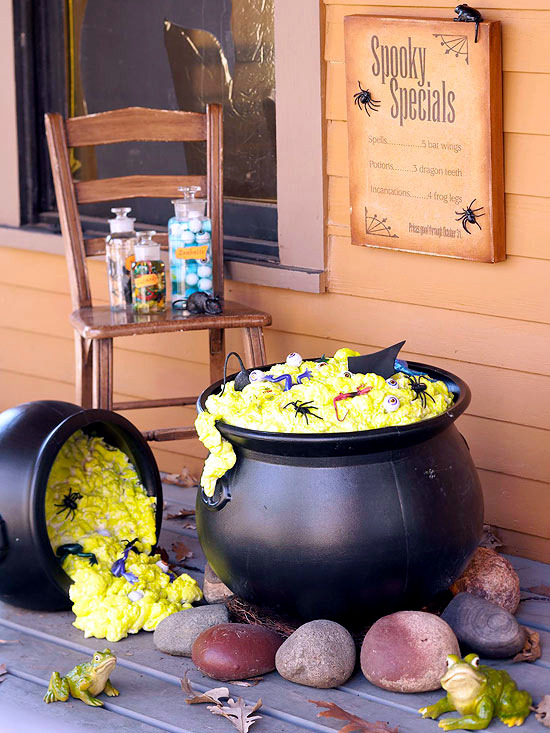 Decoration ideas for halloween party with witches create for Deco exterieur halloween