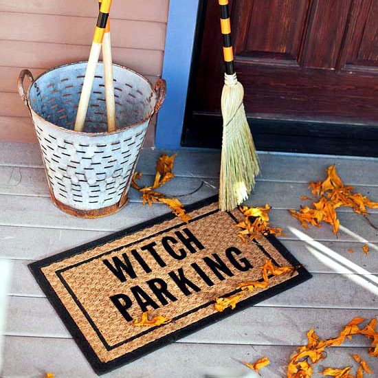 Decoration ideas for Halloween party with witches - create a witch's house
