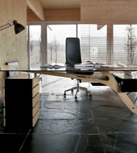 delight-customers-with-stylish-furniture-17-office-desk-designs-0-1684818528