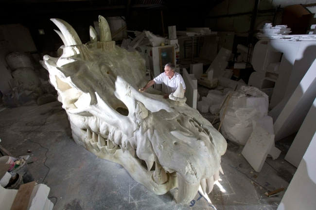 Dragon skeleton - Sculpture in England Celebrates Game of Thrones