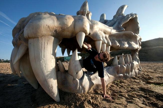 Dragon Skeleton Sculpture In England Celebrates Game Of