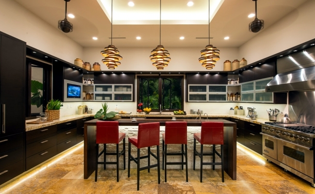 Establish and equip a large modern kitchen for multiple for Kitchen setups interior