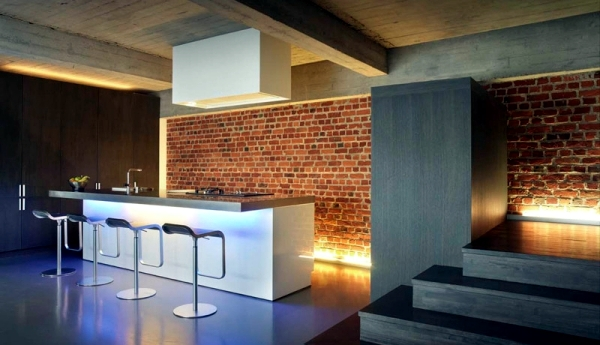 Exclusive kitchen loft kitchen with cooking island by Jo Wynant