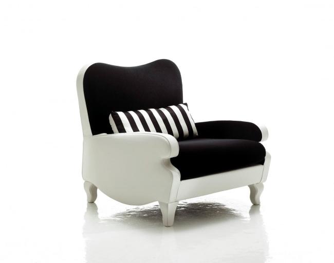 Extravagant design furniture in artistic appearance of Sicis