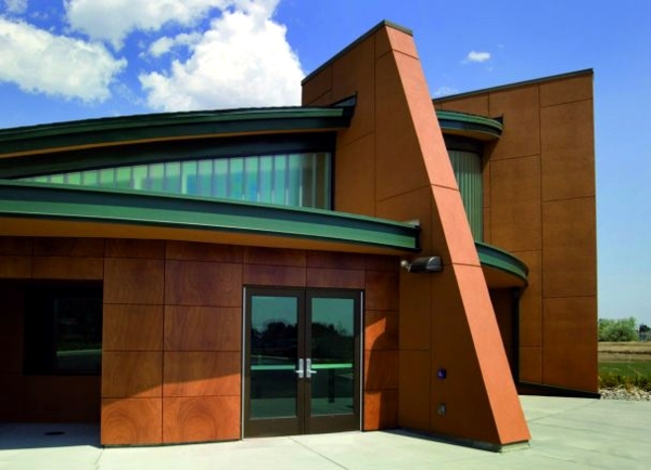 Facades insulation and renovation advantages of wood paneling