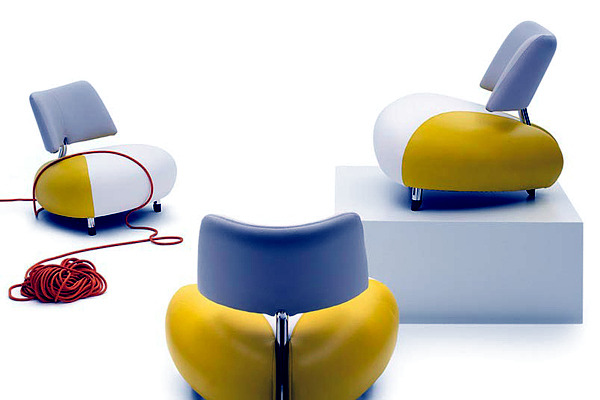 Family Pallone from Leolux - Chair with futuristic shapes