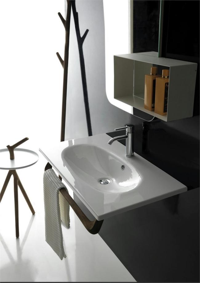 Feel-bathroom furnished in a rustic style Ergo Galassia