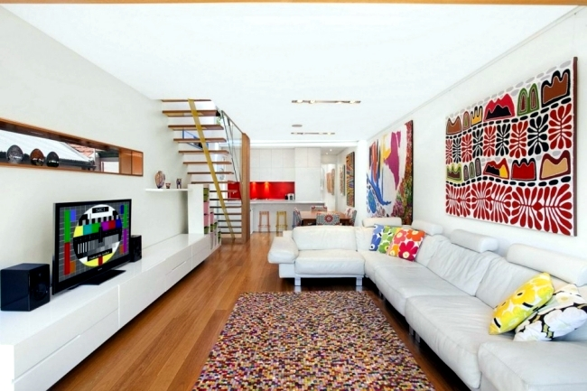 Flat roof house with a rectangular floor plan and window-front in Sydney
