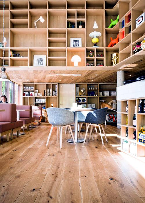 Floorboards of Bolefloor - Abnormally curved solid wood flooring
