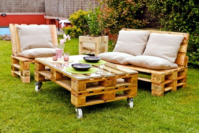 The Reuse Of Pallets Euro Has Gained Popularity Very Quickly And Ideas  Wooden Furniture Euro Pallets Are Always Creative. Wall Shelves In The  Kitchen To The ...