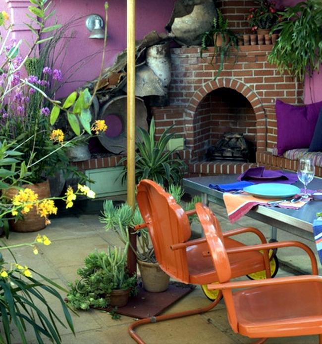 Garden design ideas - put strong color accents