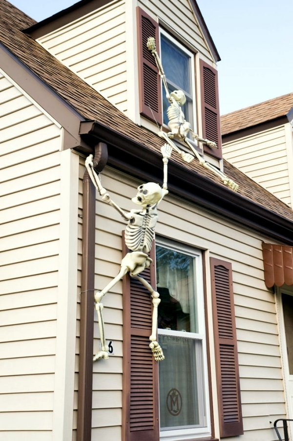 halloween garden decorations ideas with skeletons skulls and bones - Skeleton Decorations