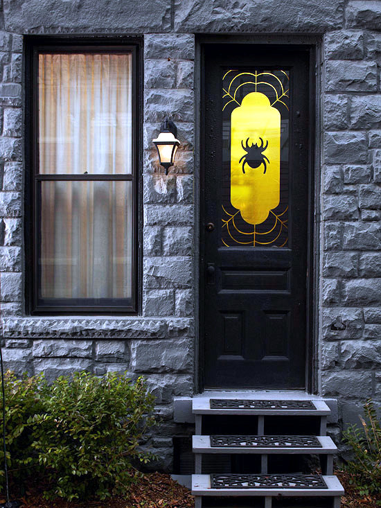 Halloween On The Doorstep Spooky Decoration Ideas For