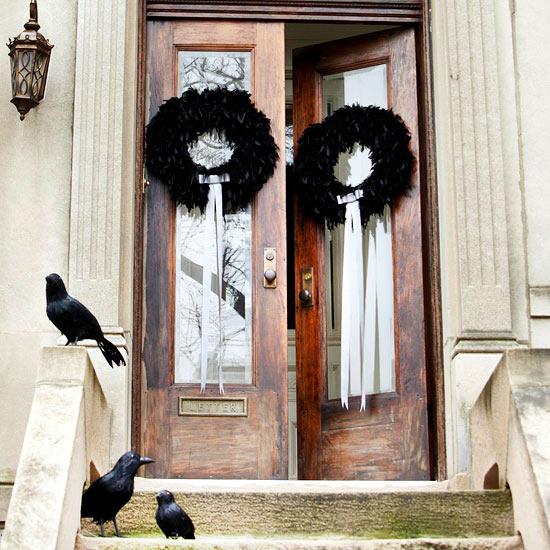 Decorating Ideas > Halloween On The Doorstep – Spooky Decoration Ideas For  ~ 062849_Halloween Door Entrance
