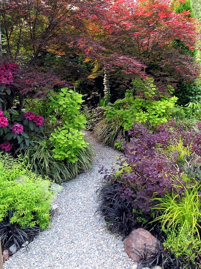 Ideas for individual garden path design - a highlight in the garden
