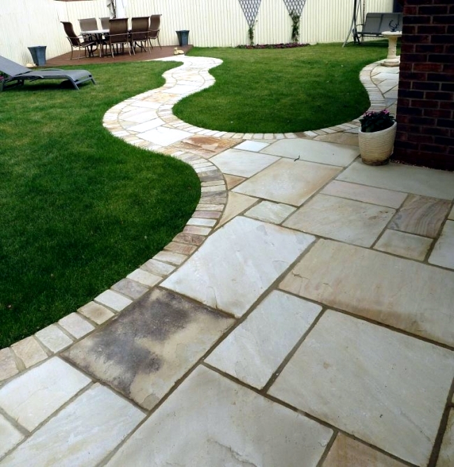 Ideas for individual garden path design a highlight in for Easy garden path ideas