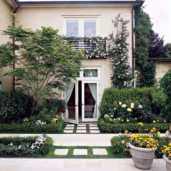Important elements and design ideas for the front yard