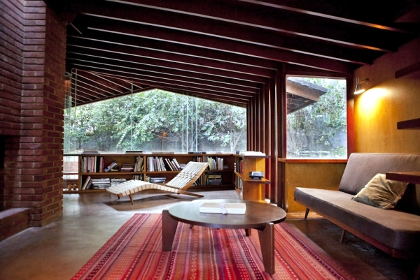 In the lead role - 4 modern houses from famous Hollywood films