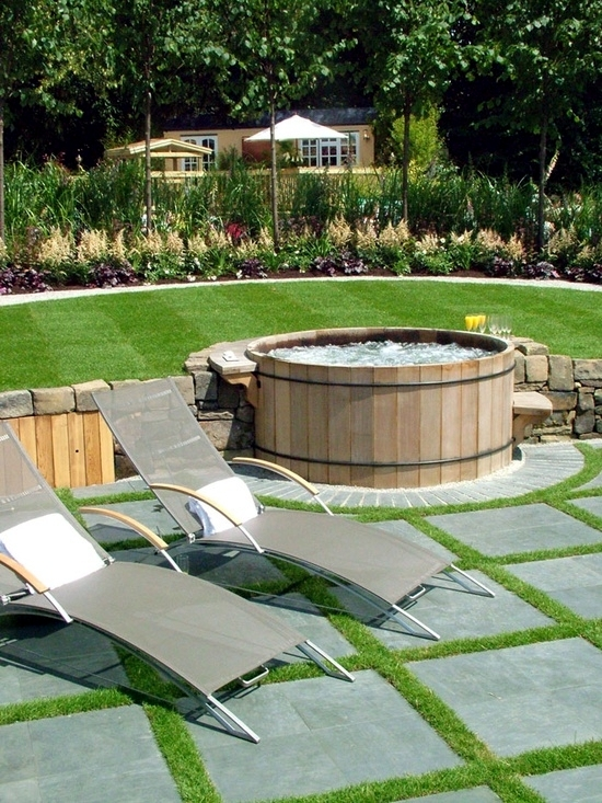 Install the hot tub in the garden - 25 ideas to make the patio