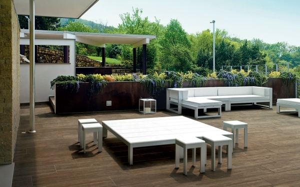 Italian ceramic floor tiles in wood design alternative to for Fliesen outdoor holzoptik
