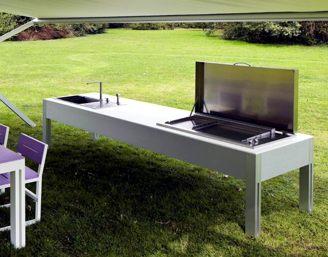 Kitchen in the garden or on the balcony successfully replaced the barbeque