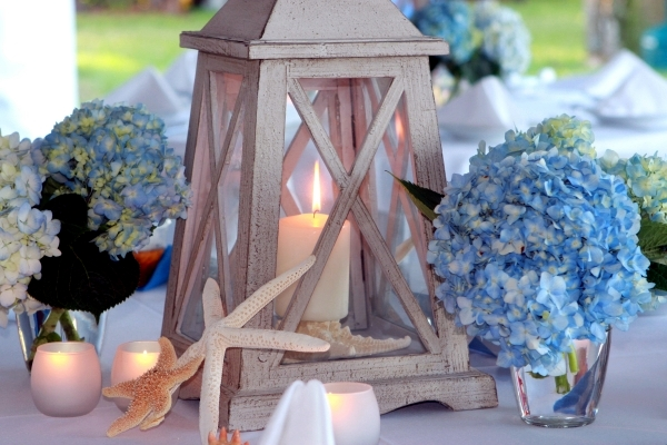 Lanterns with Maritime Flair - Summer Decoration Ideas for Home and Garden