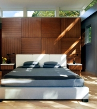 let-the-wood-wall-paneling-in-naturally-and-modern-look-0-1538943494