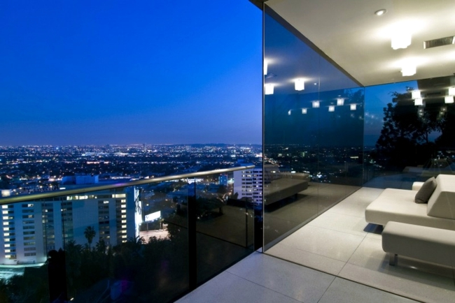 Life of Luxury: Luxury home furnishings in Hollywood