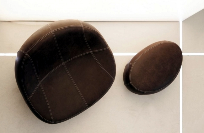 Lounge chair impresses with modern design and an asymmetrical shape
