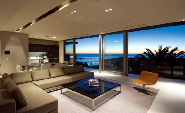 Luxury holiday home in South Africa impressed with stunning ocean views