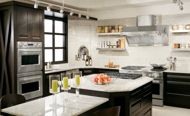 Luxury kitchen design of Bentwood with elements of wood and marble ...