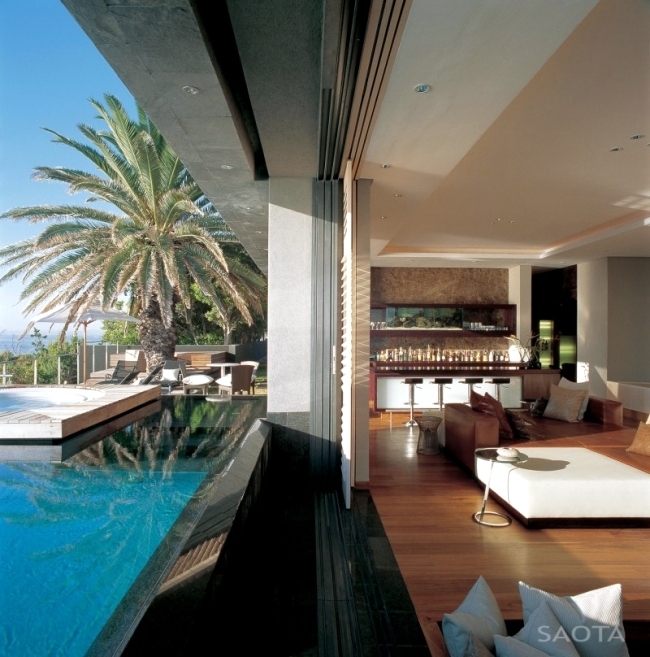 Luxury villa on the slopes with stylish furnishings and stunning sea views