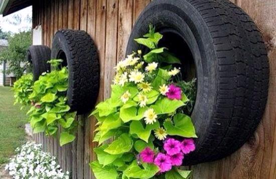 Make gardening ideas with old car tire flower pots and for Car tire flower planter