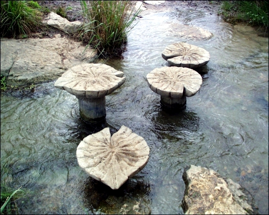 Make Steinweg with ornate stepping stones themselves - Garden Decorative