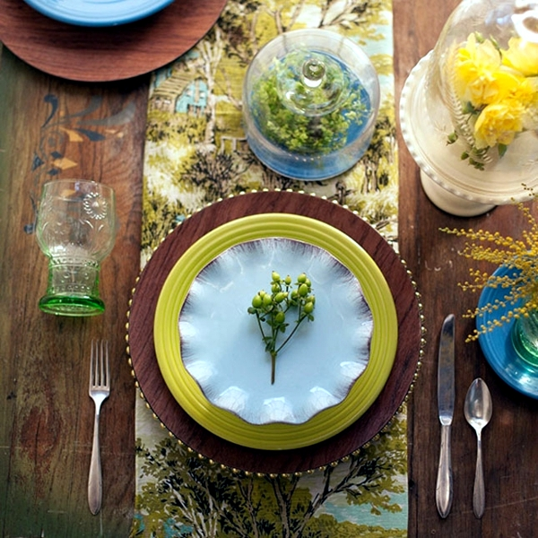 Make your own table decorations, flowers and fruits bring summer flair
