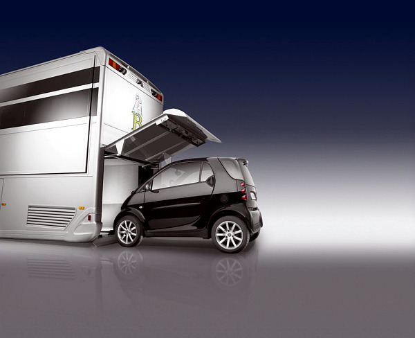 Mercedes Benz luxury motor home for camping or better Glampingurlaub