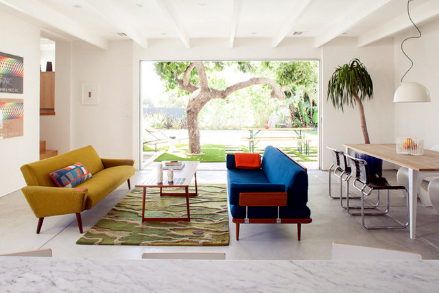 Mike Jacobs landscape a house in pure California style Interior