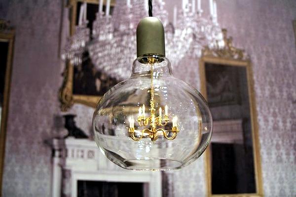 Mini crystal chandelier in a light bulb - the Edison lamp