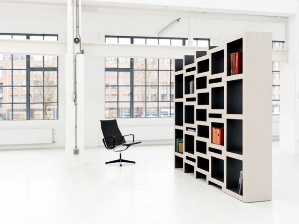 Minimalist design furniture - the bookshelf of Renier de Jong