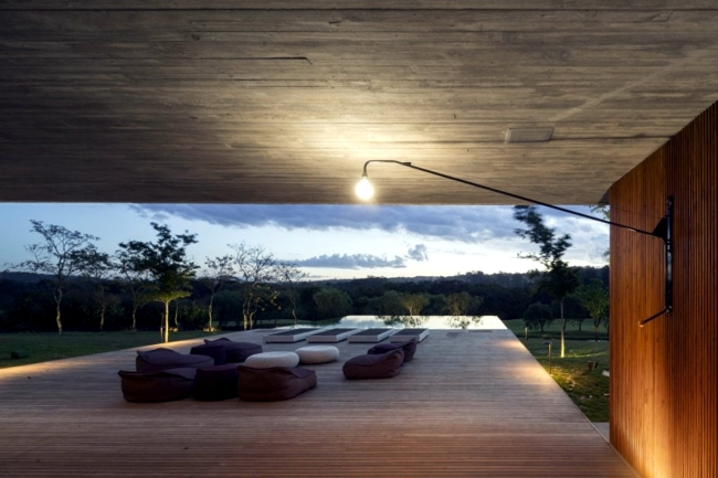 Minimalist wooden house in the middle of the Brazilian jungle