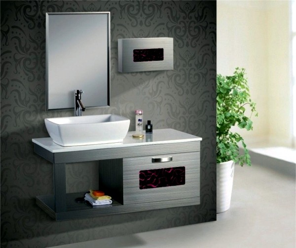 Mirror cabinet in the bathroom - designs for minimalist interior